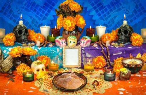 Altar del Día de Muertos de México. Créditos © CanStockPhoto